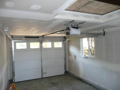 Sheetrocked walls ready for paint