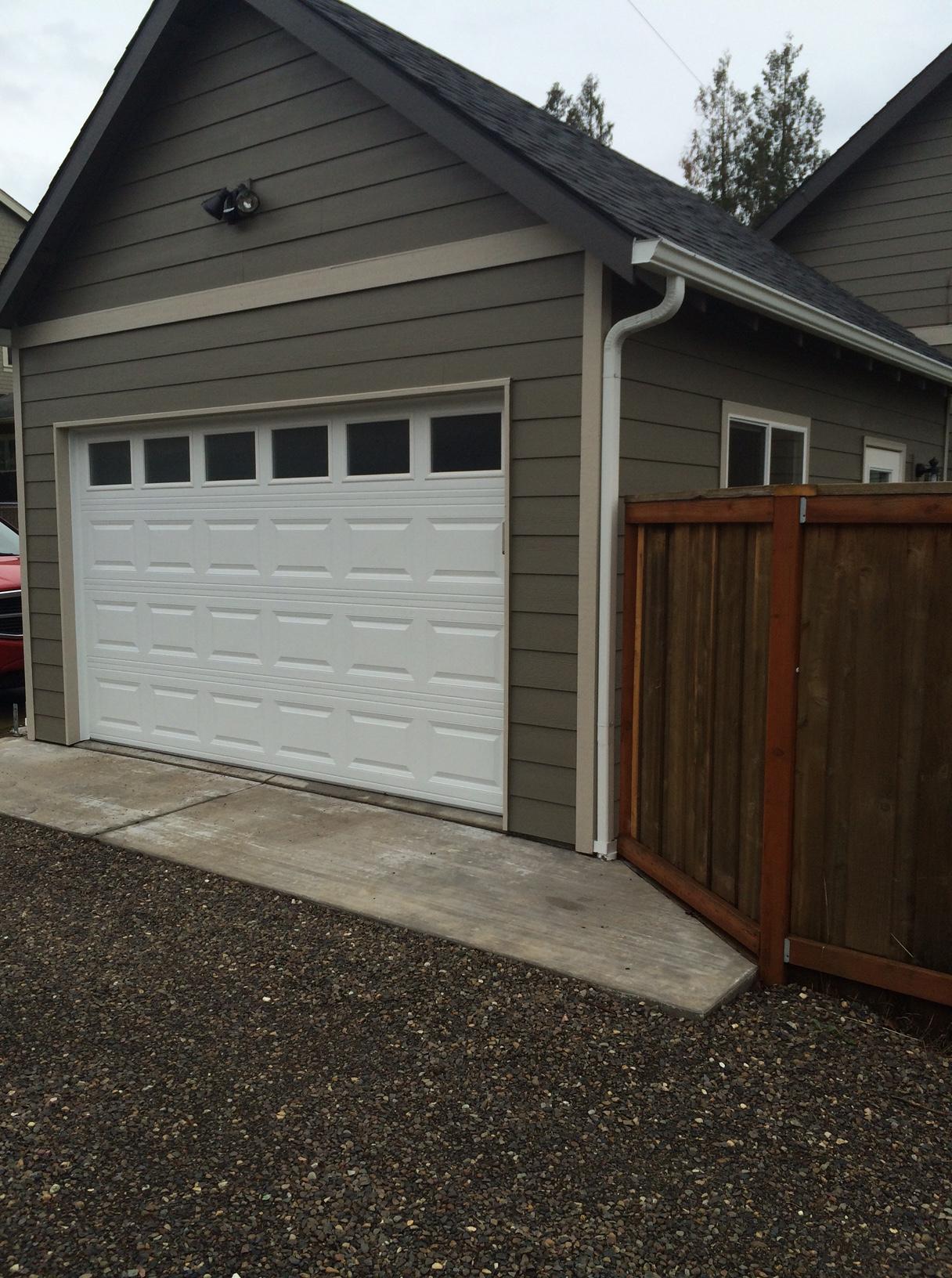 15×20 W/12u2032 Garage Door, Alley Access, Built In Side Property Line